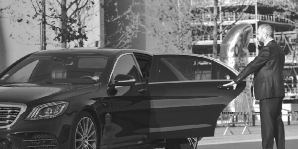 Rental Of Vehicles With Chauffeurs At Your Disposal, Close Protection Officer And Transport Of Goods … Meet & Greet And Much More ! NEWS Pics ©BeDriven 2021